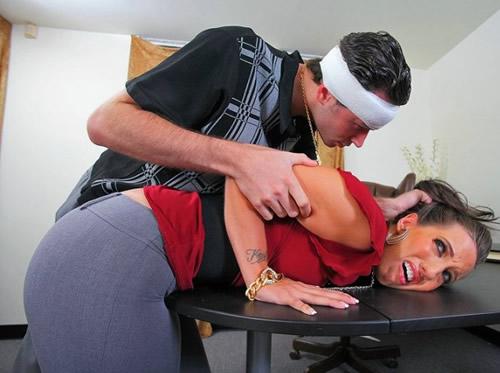 Sexo anal con una madura puta