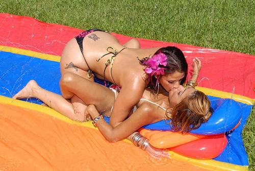 Follando a dos lesbianas latinas