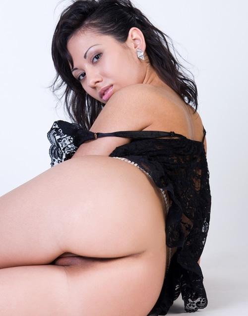 Sexo en directo morena calentita por webcam